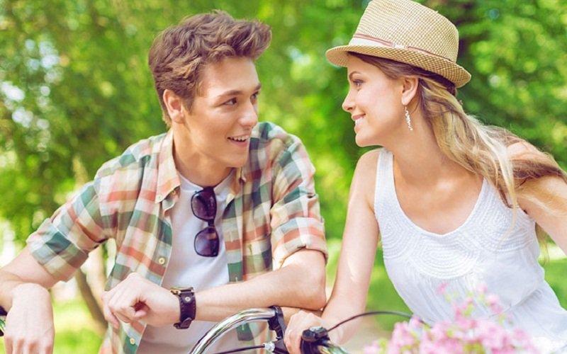 favouring online dating over offline dating