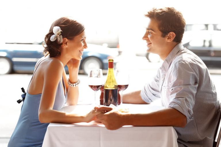 5 Things To Do On A First Date To End Up In Bed